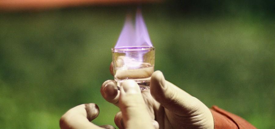 Трюки с алкоголем в вирусном проекте для «Косогоров Самогон»